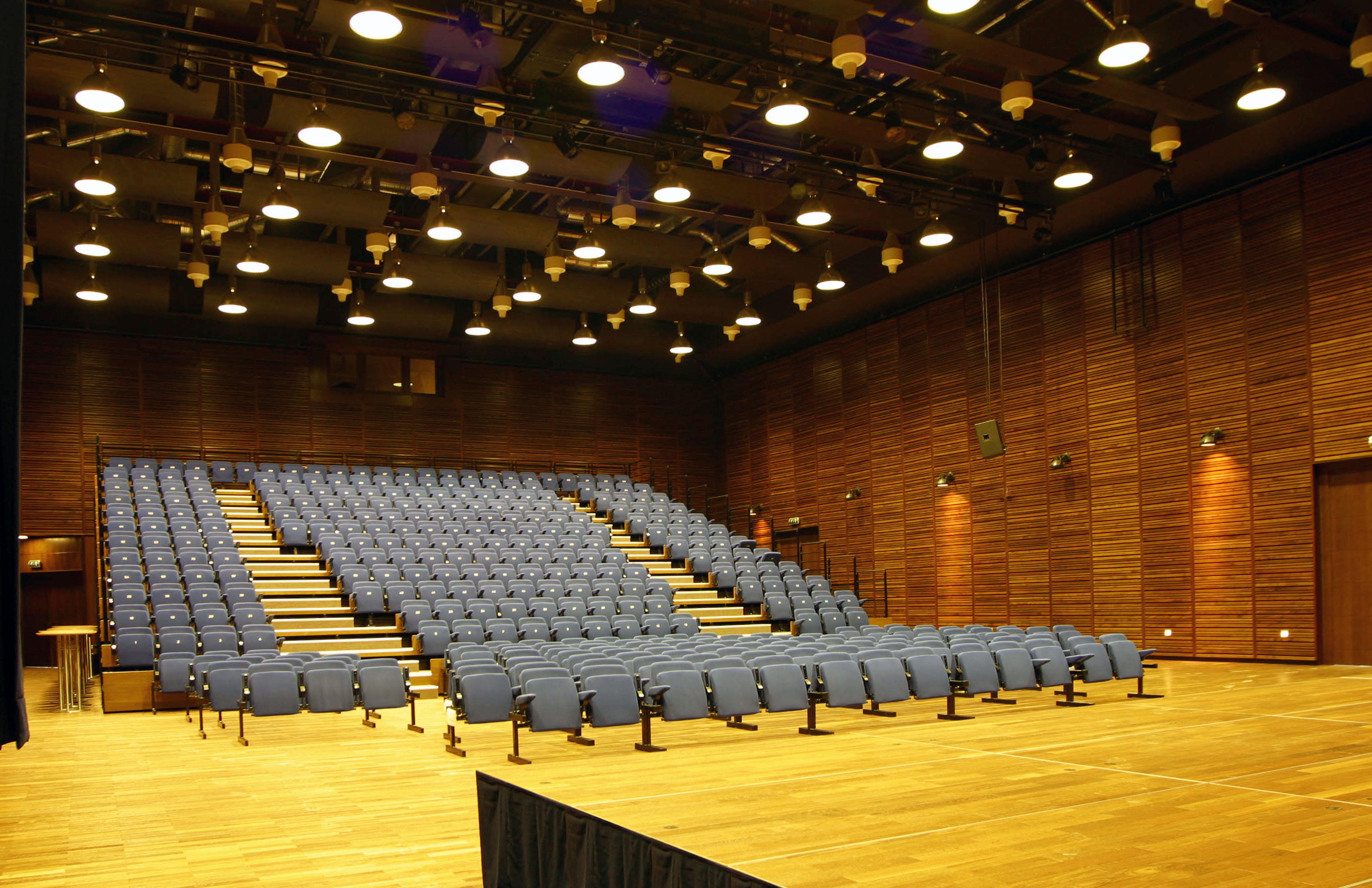 Theaterstéck am Mierscher Kulturhaus